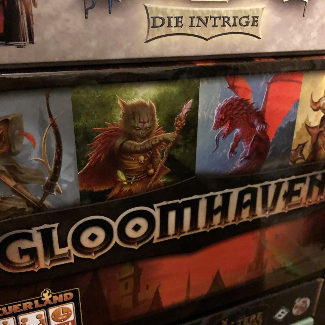 Gloomhaven ist eines der Spiele dir wir auf jeden Fall 2019 anfangen wollen! #gloomhaven #unbezahltewerbung #boardgames #brettspiele #feuerland