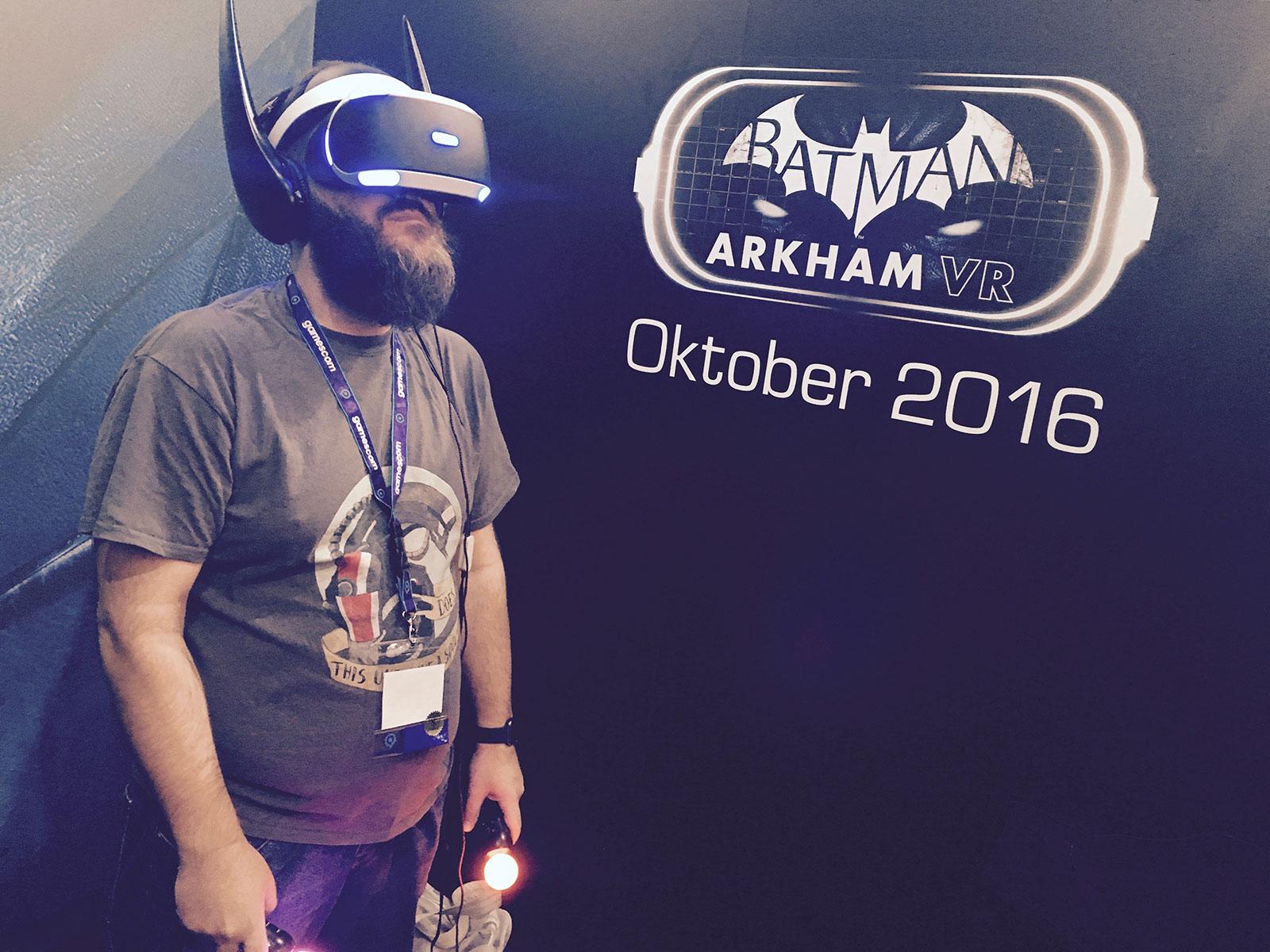 Batman VR wird mit dem Playstation VR Headset gespielt