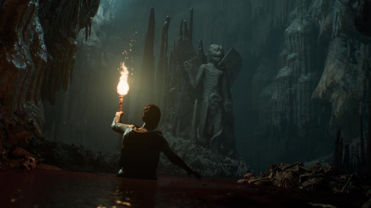 Die Hauptdarstellerin von House of Ashes in einer Höhle